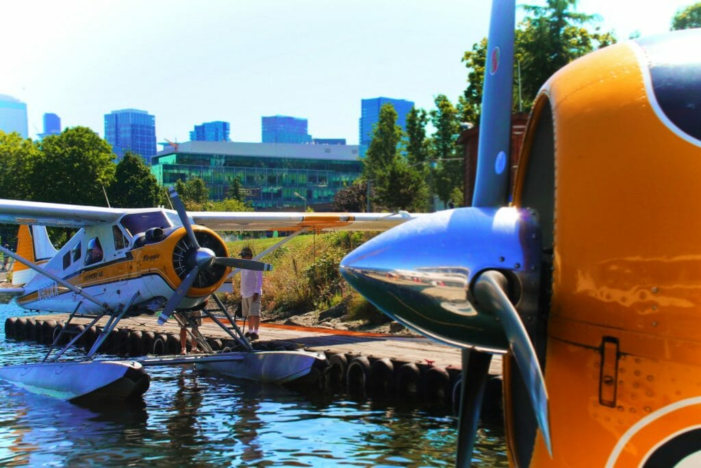 Kenmore Air Seaplanes on Lake Union 1